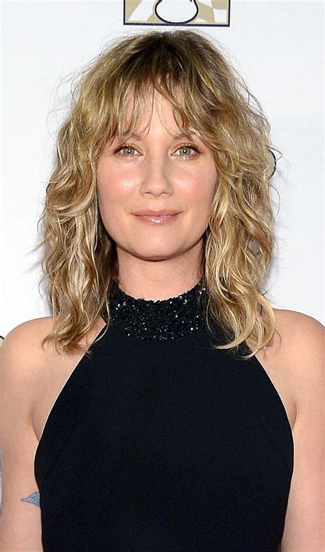 top  layered hairstyles  shoulder length hair