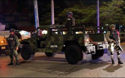 Los soldados estaban de base en Isla Mujeres, informaron.