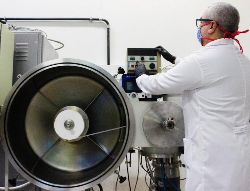 Pesquisadores desenvolvem tecido capaz de matar o vírus da covid-19