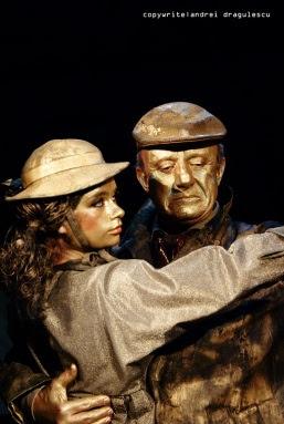 http://teatrulmasca.files.wordpress.com/2012/01/dsc03868copy.jpg?w=257&h=565&h=383