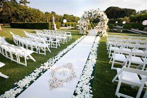 Custom Aisle Runner Designs for Your Wedding Ceremony