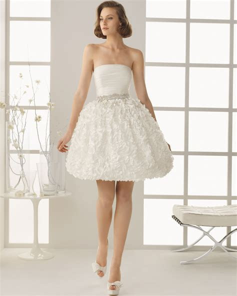 Short Ball Gown Wedding Dresses for Cute Bridal Look