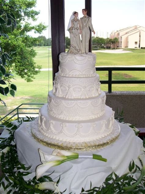 1316011667673 21 Saint Petersburg wedding cake