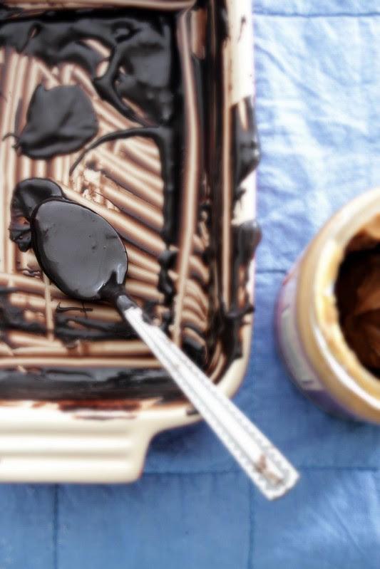Speculoos Chocolate Fudge Meringue Cake