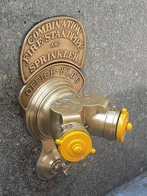 bouches d'incendie jaune.jpg