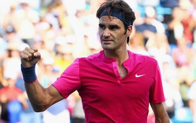 Federer comemora, com a habitual fleugma, mais uma conquista