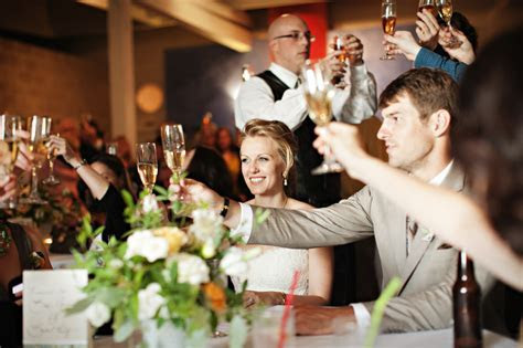 How to give great . wedding toasts!   A Kurant Event