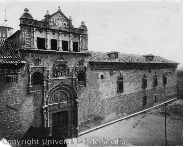 Museo de Santa Cruz a principios del siglo XX. Fototeca de la Universidad de Sevilla. Foto M. Moreno