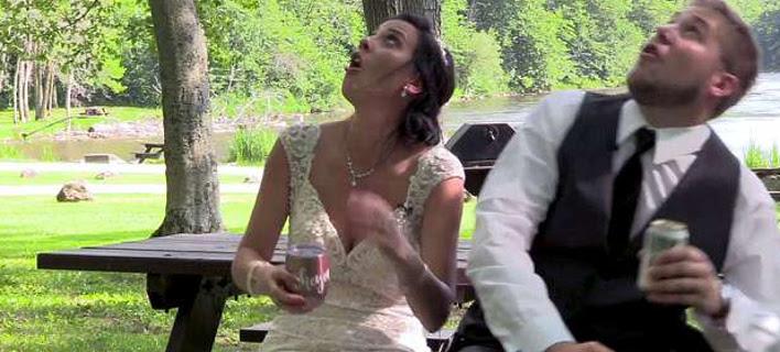 Νεόνυμφοι γύριζαν ρομαντικό βίντεο και έπεσε ένα δέντρο πάνω τους [βίντεο]
