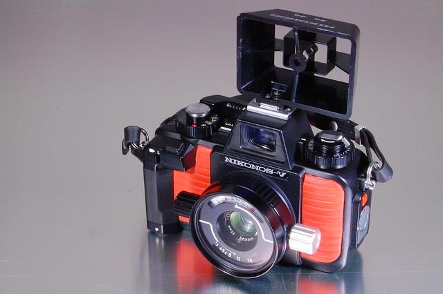 Nikonos V - 35mm Nikkor Sports viewfinder