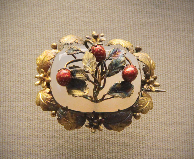 Brooche with enamelled strawberries on a chalcedony base, English