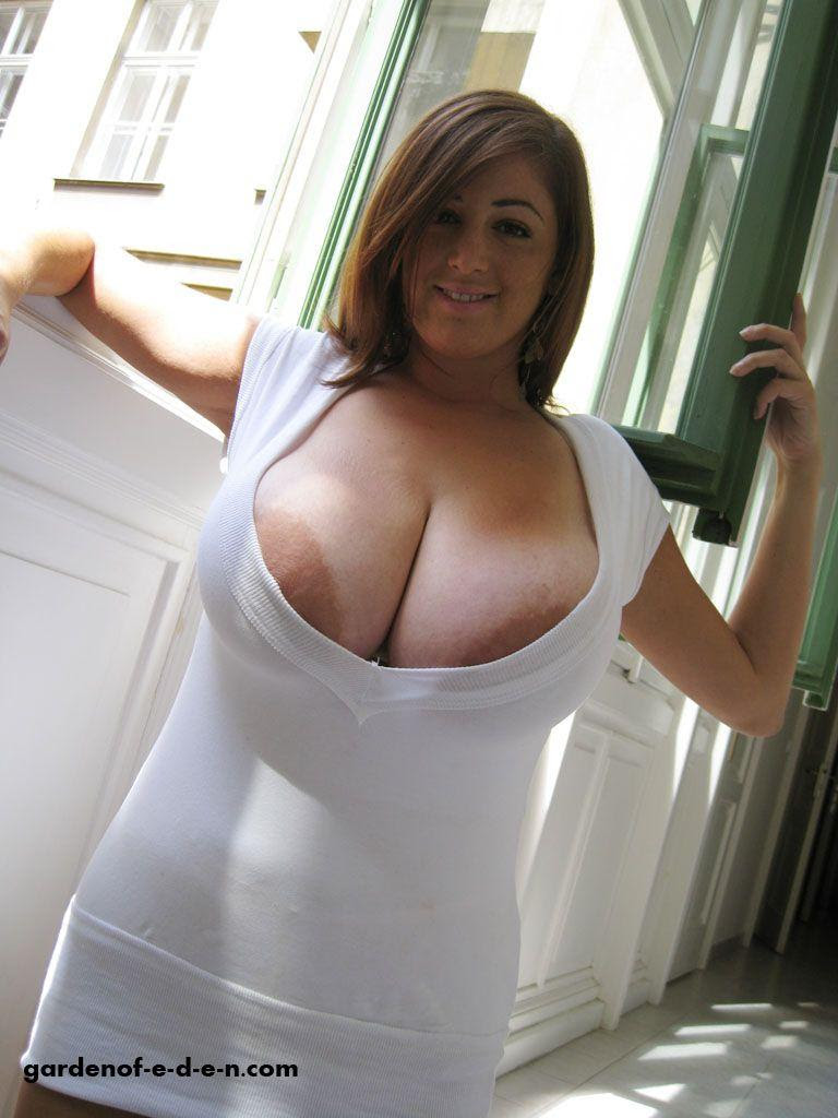 boob pops out short shirt