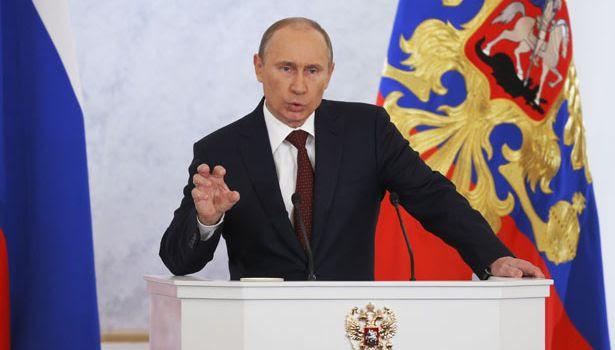 E intanto in Russia, Putin si taglia lo stipendio e aumenta le pensioni sociali del 10%