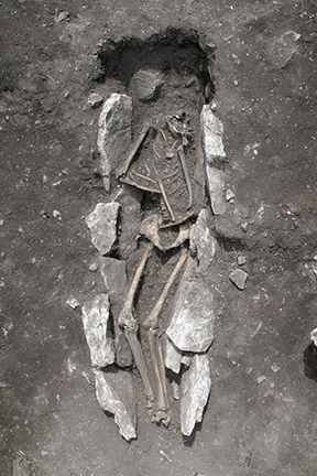 assets/lykaion/page/FIG._3__Body_with_stones_removed.png