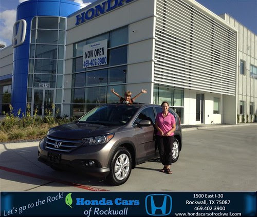 Thank you to Esther Hitt on your new 2013 #Honda #Cr-V from Brenda Granillo and everyone at Honda Cars of Rockwall! #RollingInStyle by DeliveryMaxx