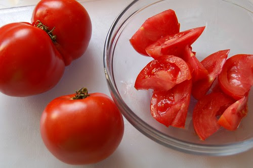 242/365 Tomato Butt
