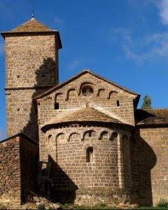 La iglesia de San Frutcuoso de Barós es un imponente templo medieval ubicado en el corazón del Pirineo.