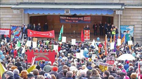 Edinburgh cuts rally, pic by Des Loughney