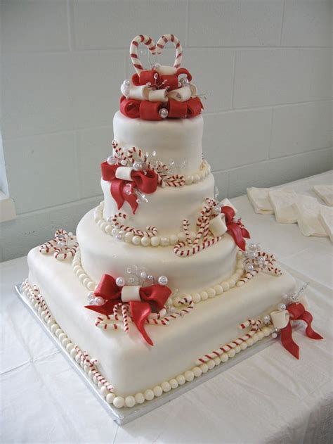 Best 25  Christmas wedding cakes ideas on Pinterest