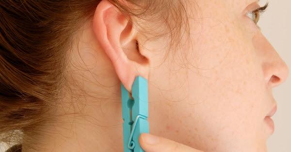 """Résultat de recherche d'images pour """"accrocher une pince à linge sur votre oreille"""""""