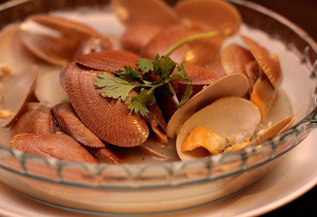 Flower Clams cooked in white wine and garlic