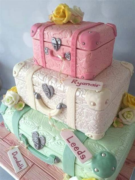 25  best ideas about Suitcase Cake on Pinterest   Luggage