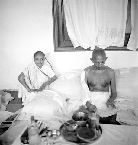File:Kasturba with Gandhi reading.jpg