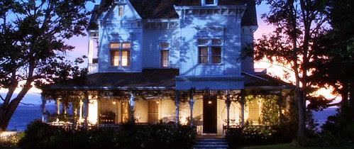 practicalmagic_house_night