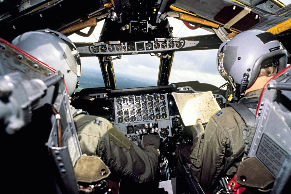 B-52 Stratofortress - Cockpit