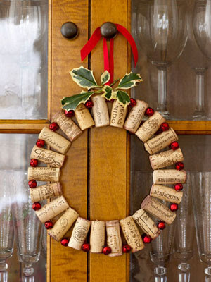 Cool DIY Christmas Decorations Made Of Wine Corks  Shelterness