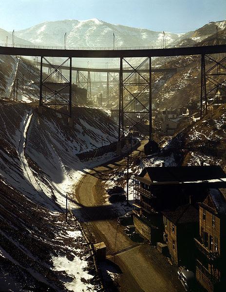 Fichier:Bingham Canyon Mine 1942c.jpg