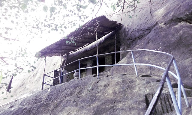 Madavoorpara Cave: Hindu Rock cut Temple near Thiruvananthapuram, Kerala