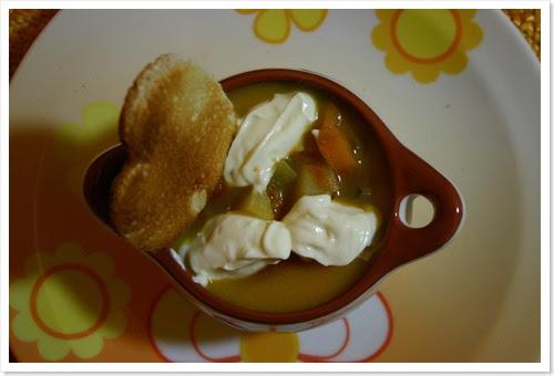 zuppa zucca e patate con verdure e quenelle