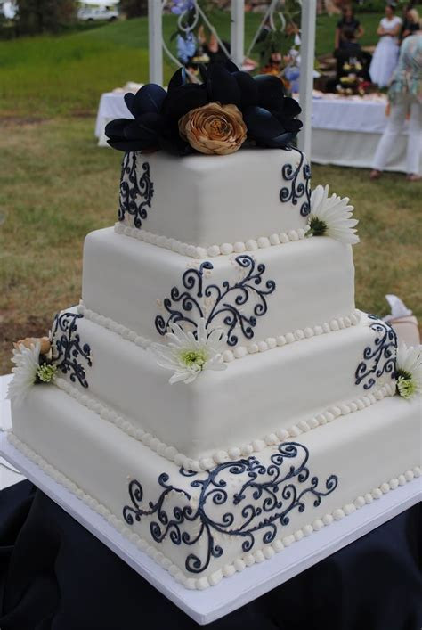 The 25  best Champagne wedding cakes ideas on Pinterest