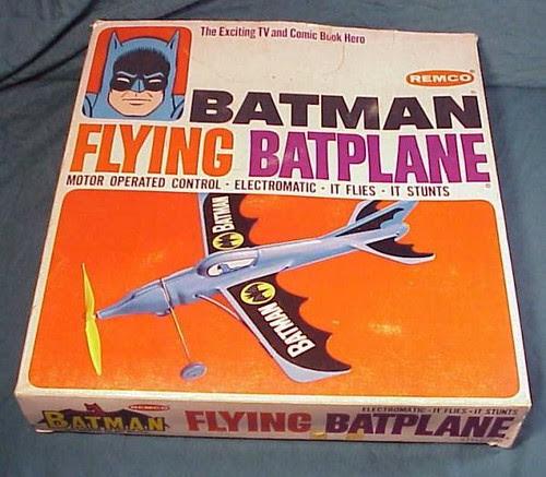 batman_flyingbatplane1