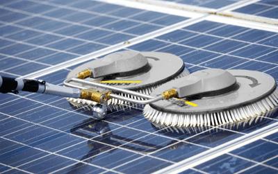 solar panel clean 1