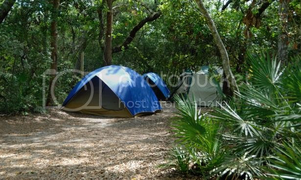 http://www.publicdomainpictures.net/view-image.php?image=91081&picture=tent-camping