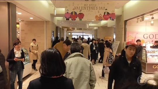 Japoneses copiam dos EUA o calendário do Dia dos Namorados
