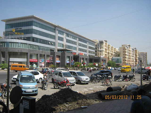 Rainbow Plaza Commercial Complex at Shivar Chowk on Rahatani Road - Visit Suhas Mantri Constructions' Mystica 3 BHK Flats behind Shivar Garden Hotel Rahatani Pune 411017