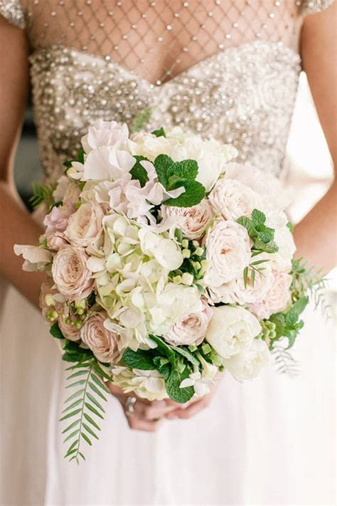 17 Best ideas about Winter Bridal Bouquets on Pinterest
