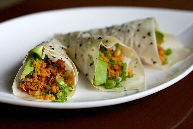 Soy Paper Handrolls - Cunchy Spicy Tuna with Avocado