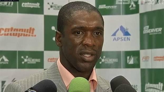 Holandês afirmou que troca de técnico nos clubes é prejudicial para o desenvolvimento