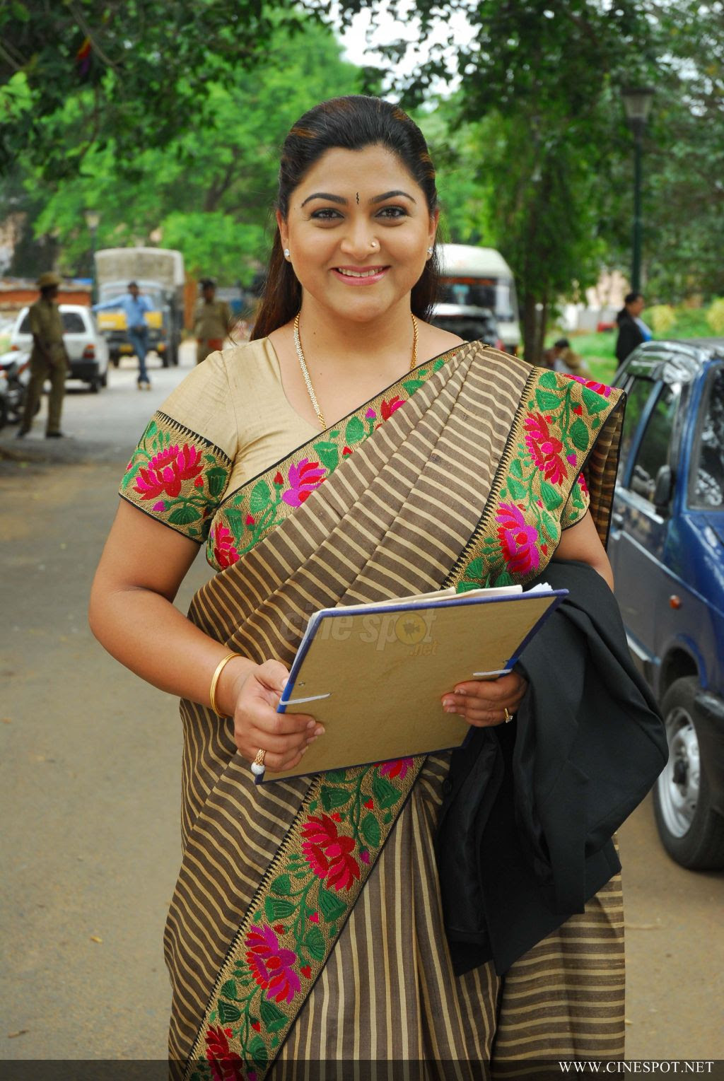 Kushboo Tamil Hot Beautiful nakhat khan stage name khushboo indian film actress,producer