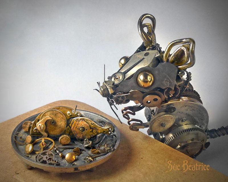 Pequenas esculturas steampunk feitas à base de relógios reciclados 03