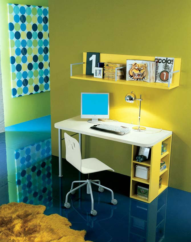 Perpaduan Warna Kuning Dan Biru Hardworkingart