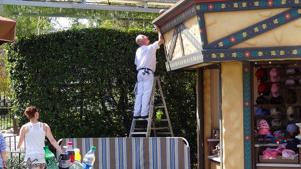 Disneyland Resort, Disneyland, Le Petite Chalet, Painter