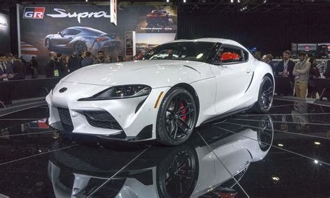 detroit auto show luxury performance cars