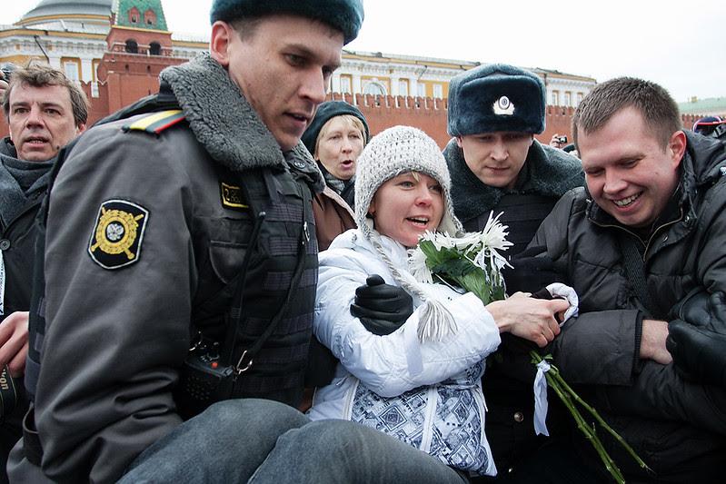 Евгения Чирикова задержана на Красной площади за установку зеленой палатки