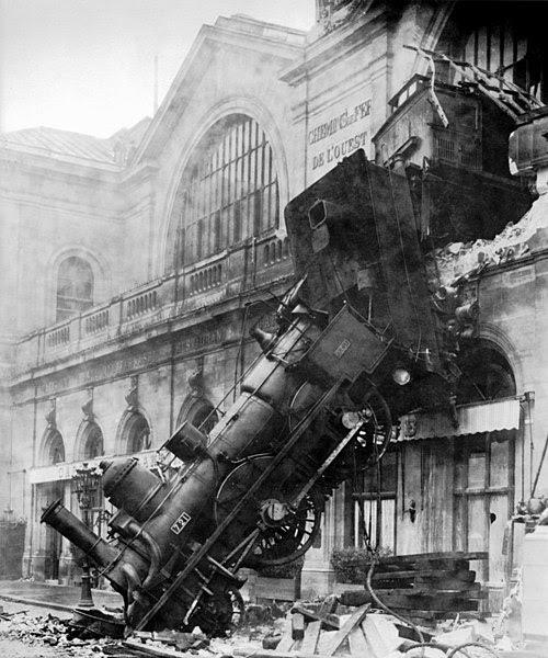 Ficheiro:Train wreck at Montparnasse 1895.jpg