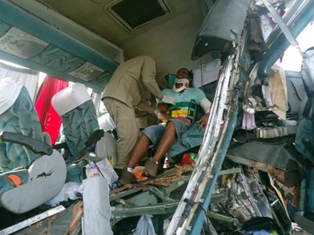 Acidente na Bahia (Foto:  Carlos Alberto/ site Aragão Notícias)